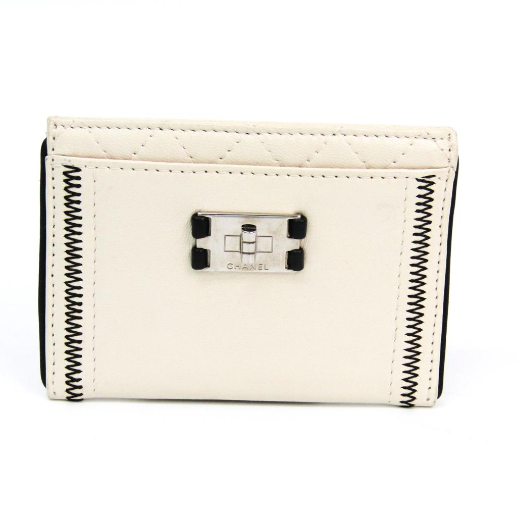 シャネル(Chanel) 2.55 レザー カードケース ホワイト 【中古】