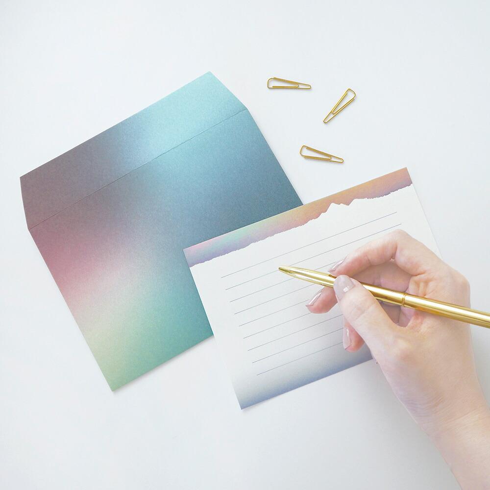 オーロラのように光の変化を楽しむことができるレターセット NORDLYS ノールリス レターセット 定価 メール便対応 セール価格 手紙 定形内 便箋 封筒