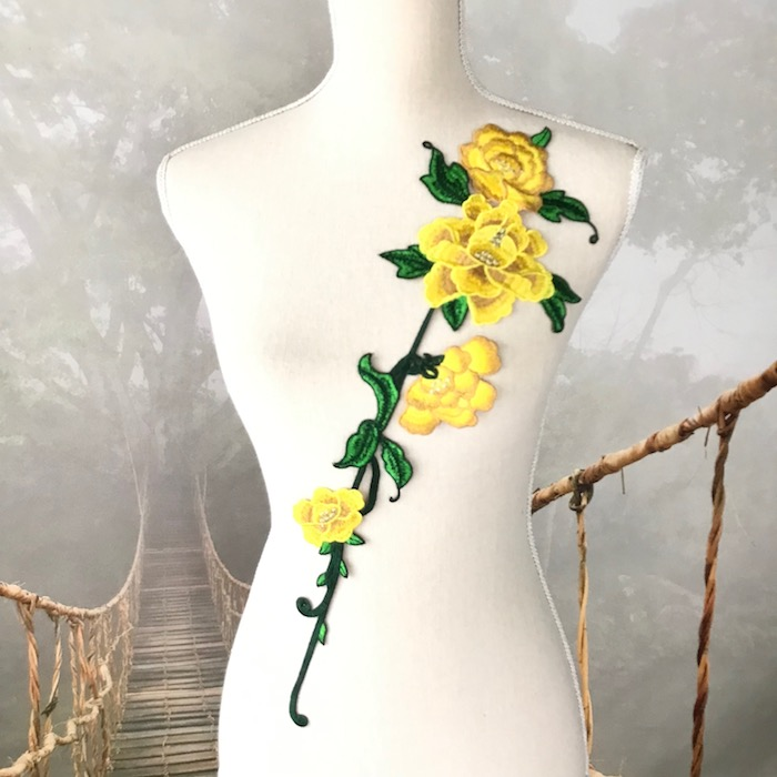 イエローバラの長めの刺繍チーフになります バラ 刺繍 即出荷 モチーフ 黄色 イエロー アップリケ 手作り 装飾 ダンス 衣装 薔薇 正規品送料無料