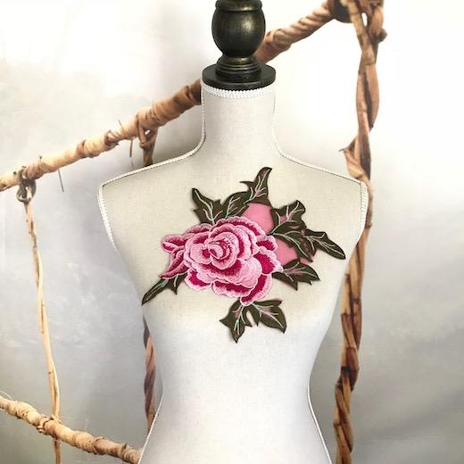 ピンクバラの刺繍チュールモチーフになります バトン レオタード モチーフ 新作製品、世界最高品質人気! 送料無料お手入れ要らず 花 レースモチーフ バラモチーフ ピンク 衣装