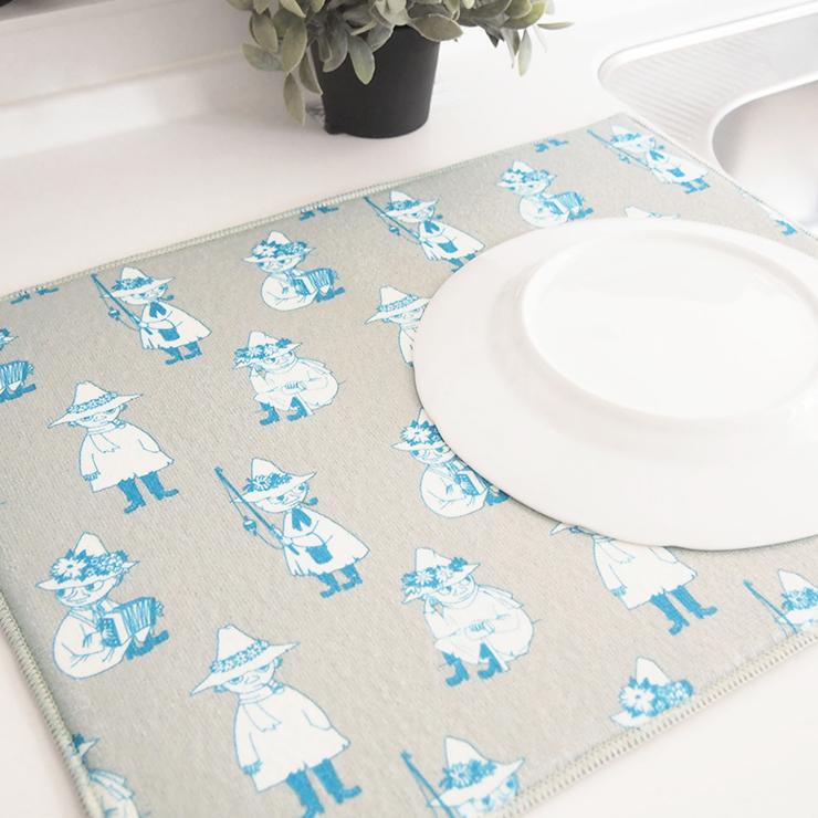 シンプルな線画のムーミンキャラクターパターンがキッチンを彩る 洗い物に最適な水切りマット お得なクーポン発行中 水切りマット 小 40×50cm ムーミン MOOMIN リトルミイ マット コンパクト 北欧 かわいい 吸水マット 洗える 年末年始大決算 シンプル 洗濯できる グレー 新品 吸水 ホワイト モノトーン ループ付き