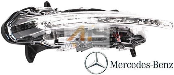 【M's】W218 CLSクラス(前期)/X204 GLKクラス(後期)純正品 LEDデイライト (右側)//ベンツ BENZ GLK350 4マチック 4WD CLS350 CLS550 シューティングブレイク 正規品 221-820-1856 2218201856