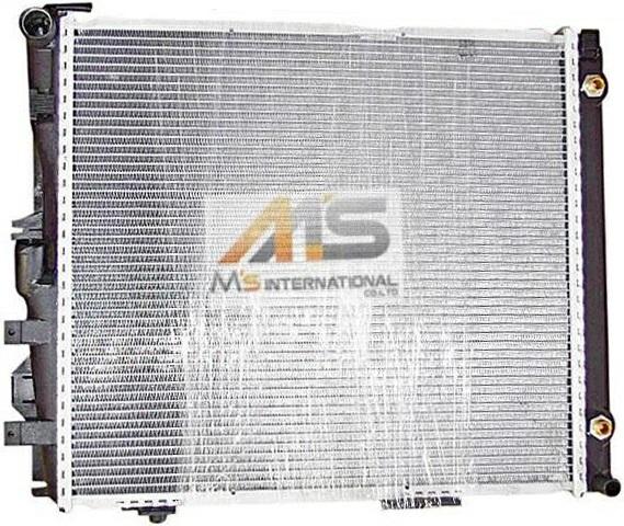 W124 Mercedes-Benz E class 6 (M103/M104) made by BEHR radiators, / /  factory OEM radiator medium S124 C124 A124 260E 300 d 300 TD 300E 300TE  300CE