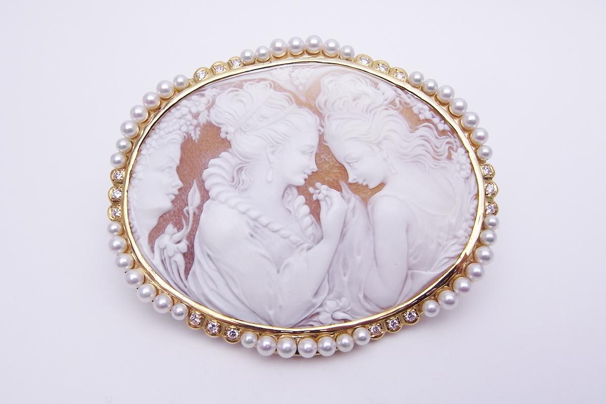 シェルカメオ 真珠ダイヤモンド ブローチK18YG 2.8-3.4mm 0.60ct 37.4g【中古】程度A【smtb-m】