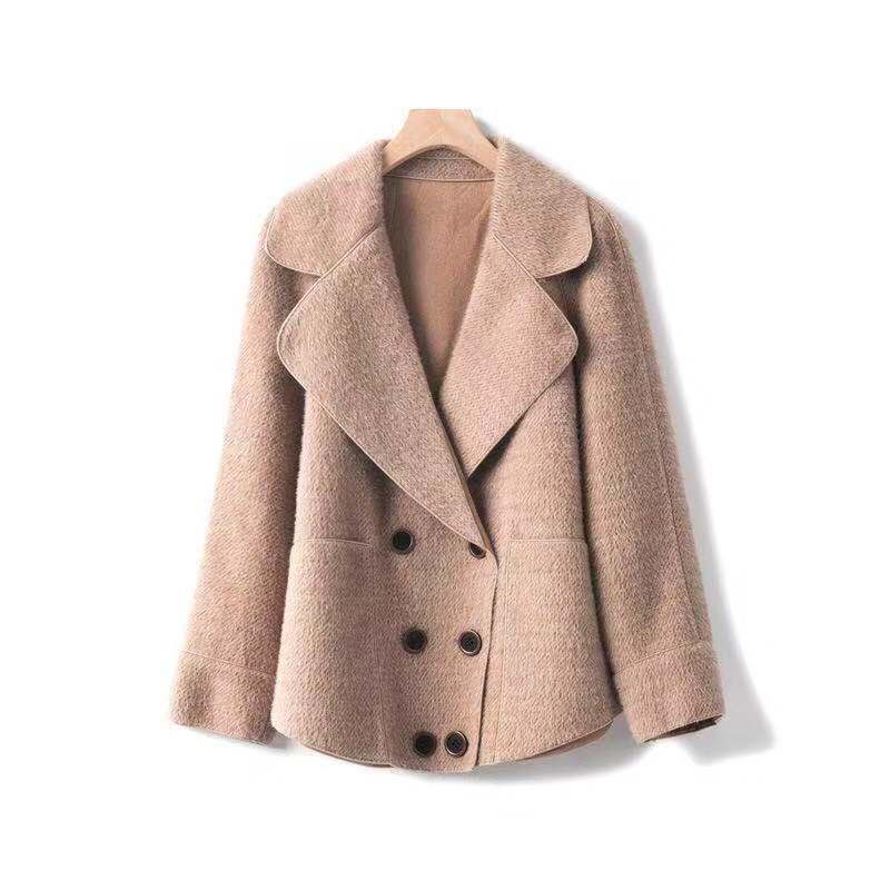 毎週更新 気軽に羽織れてゆったり可愛い ゆったりと着こなせるダウンショルダーのショート丈コートです☆ 送料込 ショートコート レデイース メーカー在庫限り品 ジャケットお洒落