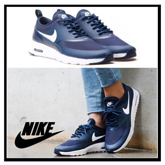耐克 (Nike) 女性耐克空气马克斯 THEA (空气马克斯 THEA) 妇女的运动鞋 (黑曜石/白色) 海军白色 (599409 409)