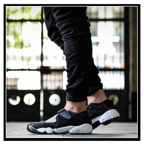 耐克 (Nike) 女性裂谷呼吸的空气 (空气电梯微风) BR 凉鞋运动鞋 (黑色/冷灰色白色) 黑色/白色 (848386 001) 无止境的旅途 (无休止的旅行)