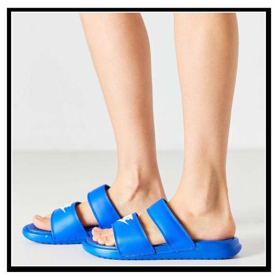 耐克 (Nike) 女性 BENASSI 双核处理器超幻灯片 (Benassi 双核处理器超幻灯片) 妇女健康淋浴凉鞋 (赛车蓝白) 蓝白 (819717 400) 无止境的旅途 (无休止的旅行)