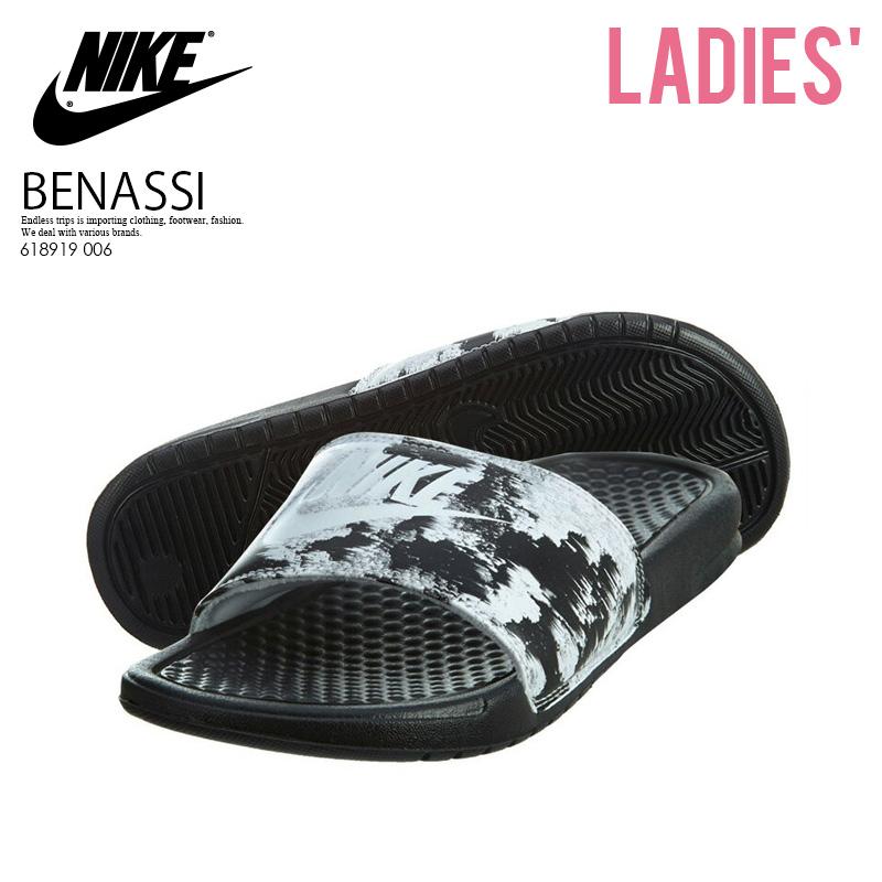 new product ee36d 6b954 NIKE (Nike) WOMENS BENASSI JDI PRINT (ベナッシプリント) shower sandals Hel sea  sandals BLACKWHITE (black  white) 618919 006 pickup