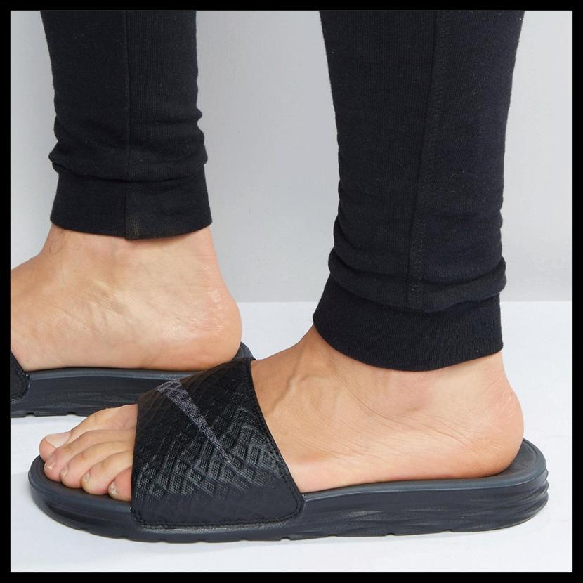 14b1355cf37b3 NIKE (Nike) BENASSI SOLARSOFT (ベナッシソーラーソフト) MENS WOMENS men women shower  sandals Hel sea sandals BLACK ANTHRACITE (black) 705474 091 ENDLESS TRIP ...