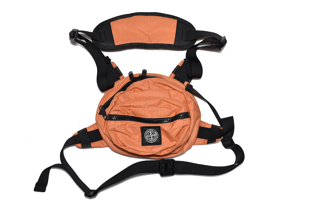 【送料無料】STONE ISLAND LOGO BODY BUM BAG ORANGE SHOULDER BAG ストーンアイランド ボディバッグ ショルダーバッグ ウエストバッグ オレンジ ユニセックス ギフト 19SS