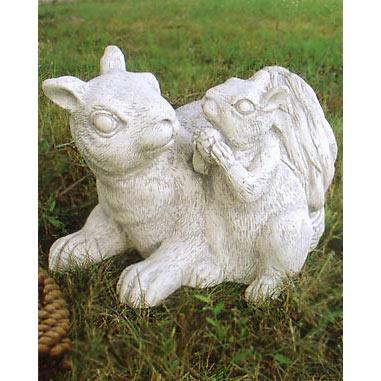 イタリア製石像:ビーバーの親子