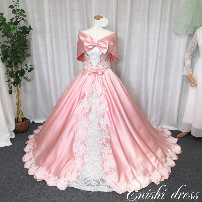 ウェディングドレス カラードレス サテン オフショルダー 色変更可 レース 光沢 ピンク 結婚式 披露宴 二次会 前撮り パーティー かわいい ゴージャス エレガント インスタ映え