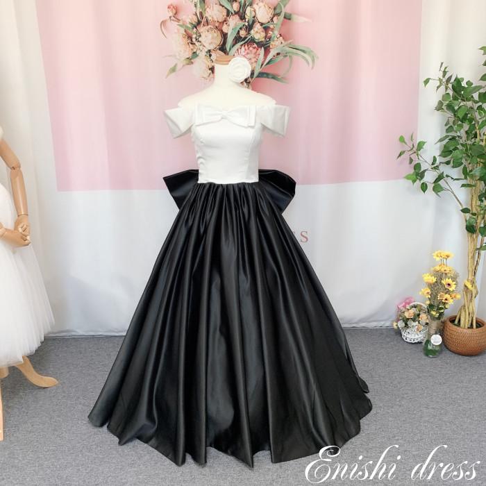 271dcaa84d7 ウェディングドレス カラードレス オフショルダー リボン トップスホワイト スカートブラック バックリボン ハンドメイド サイズオーダー