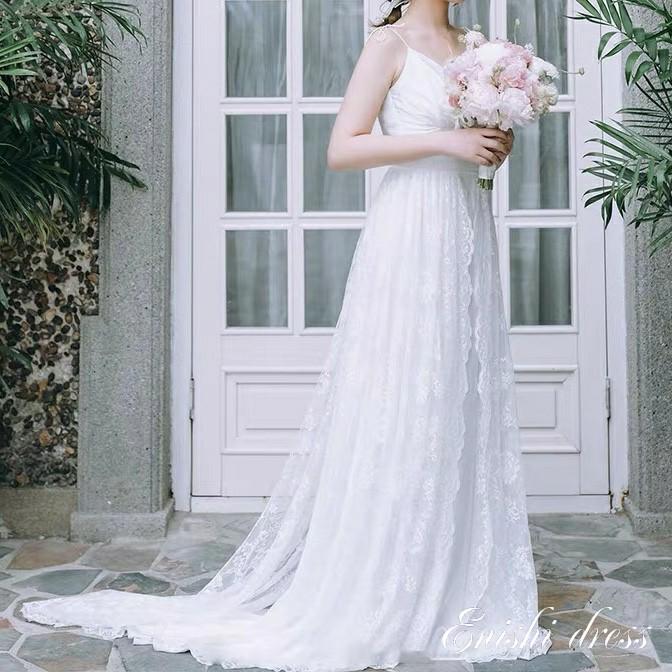ウェディングドレス レースドレス スレンダーライン シフォンドレス ロングドレス 肩紐付き 軽い 柔らか かわいい 上品 豪華 エレガント 優雅 着痩せ インスタ映え 結婚式 披露宴 二次会 前撮り パーティー