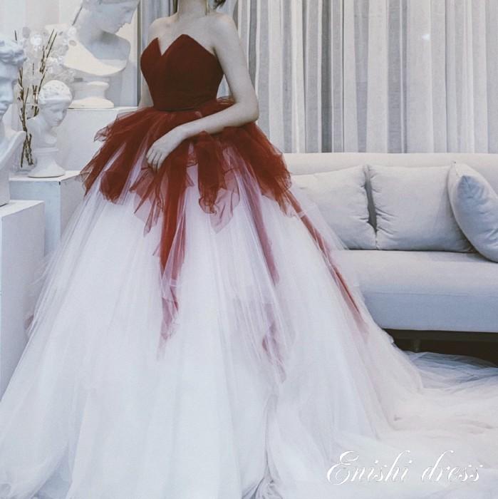 ウェディングドレス カラードレス グラデーションドレス レッド 二次会 花嫁 ドレス 前撮り 後撮り フォトウェディング 結婚式 披露宴 パーティー かわいい エレガント 豪華 色変更 サイズオーダー オーダーメイド無料