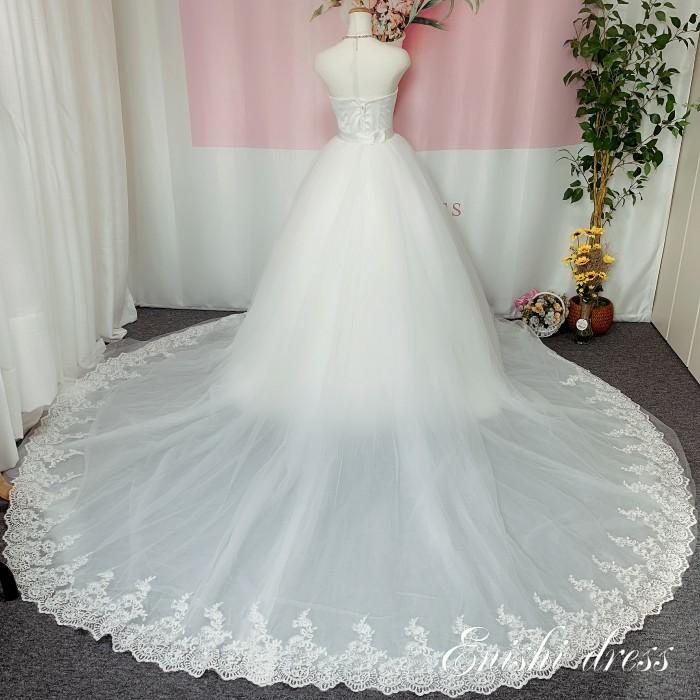 ウエディング オーバースカート トレーン レース ウェディングドレスの色直し ホワイト アクセサリー 色変更無料 ロングトレーン ボリューム エレガント 結婚式 披露宴 二次会 前撮り パーティー 花嫁 かわいい 豪華 色変更 サイズオーダー 無料