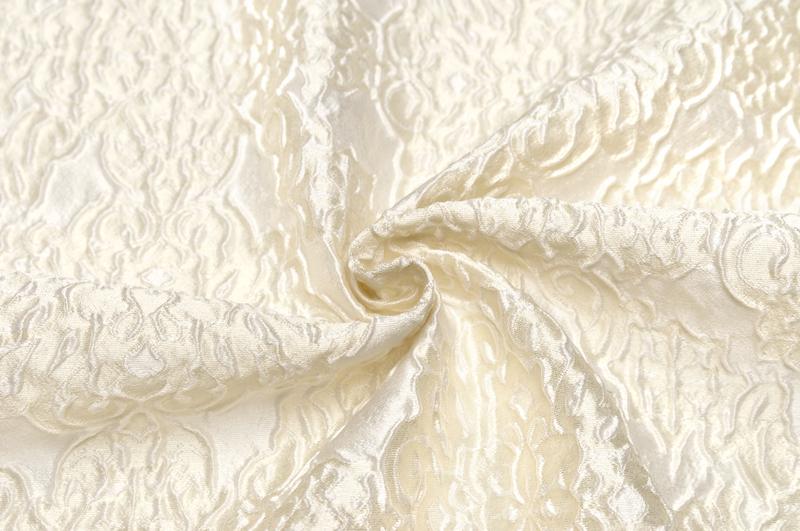 イタリア製 輸入生地シルク・ブレンドフクレ織りカットワーク2.7m単位 生地・布