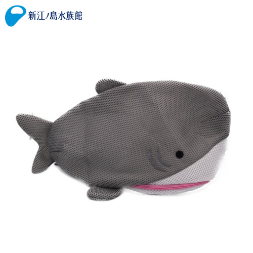 ランドリーネットL サメ