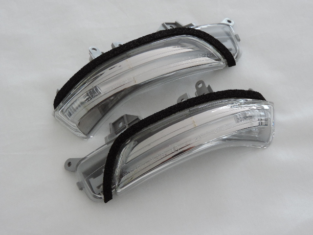 TOYOTA トヨタ純正30系プリウス 前期型用LEDドアミラーウィンカーレンズ左右セット 補修用パーツ30系プリウス後期型に流用可能40系プリウスαに流用可能