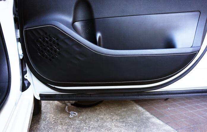 TOM'S トムス トヨタ80系 ノア NOAHドアキックプロテクタードア傷つき防止 インテリアH26/2~ ZRR8# ZWR80 全グレード