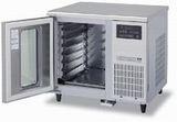 ホシザキドウコンディショナー(テーブル型)型式:HDC-7S1TA寸法:幅900mm 奥行800mm 高さ850mm送料:無料 (メーカーより)直送保証:メーカー保証付2室独立タイプ
