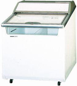 パナソニック(旧サンヨー)冷凍クローズド型ショーケース型式:SCR-075DC(旧SCR-075DNA)寸法:幅754mm 奥行714mm 高さ920mm送料:無料 (メーカーより)直送保証:メーカー保証付