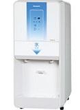 パナソニック(旧サンヨー)チップアイスディスペンサー製氷機型式:SIM-CD125LVC(旧SIM-CD125LVB)寸法:幅345mm 奥行635mm 高さ800mm送料:無料 (メーカーより)直送保証:メーカー保証付日産製氷能力125kg
