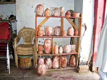 ヒマラヤの自然岩塩が生んだ癒しの輝きヒマラヤ岩塩ランプ マウンテンタイプ