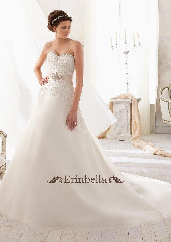 ウェディングドレス Aライン ハートカット ハートネック ウェストリボン 花嫁 結婚式 二次会 披露宴 ブライダル TW0052