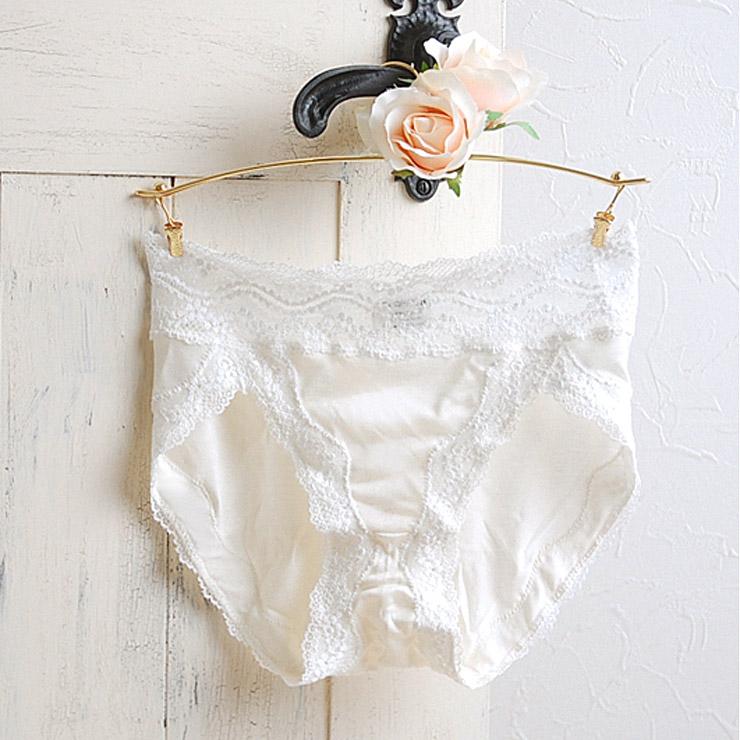 与日本花边丝绸内裤