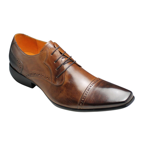 【Bump N' GRIND(バンプ アンド グラインド)】神戸発信!オシャレなロングノーズのビジネスシューズ(ストレートチップ・メダリオン)・BG6021(キャメル)/メンズ 靴