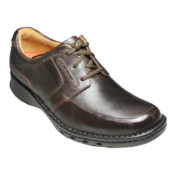 【Clarks(クラークス)unstructured(アンストラクチャード)】・牛革ビジネス&カジュアルシューズ(Uチップ)・UN TOLD(アン トールド)・583C(ダークブラウン)・20341459/メンズ 靴