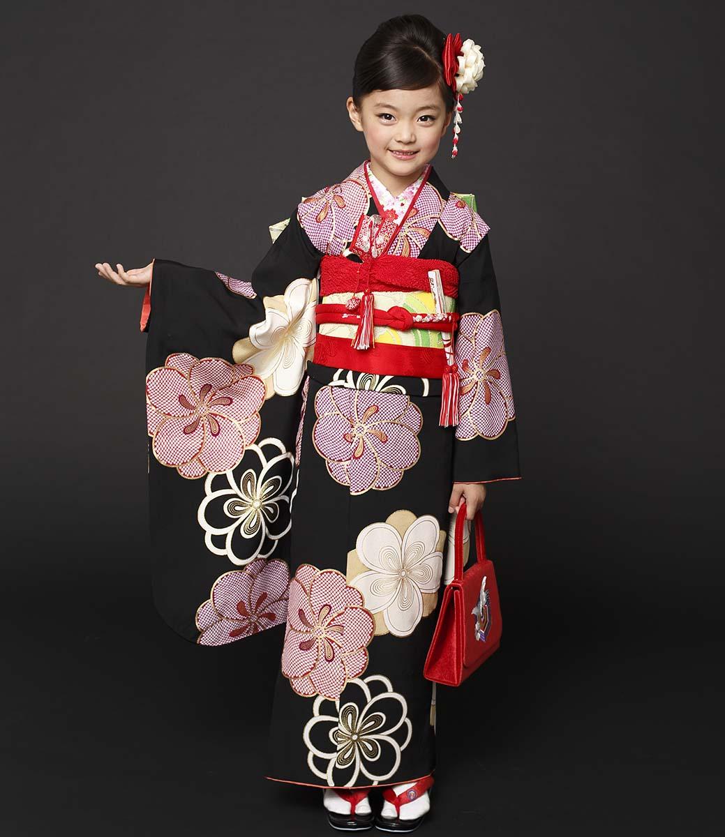 七五三 着物 7歳 紅一点 正絹 女の子 きもの単品 小紋 レトロ ブランド 黒梅 四つ身