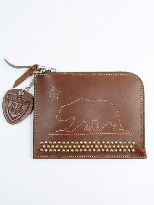 HTC PASSPORT CASE WALLET エイチティーシー パスポートケース メンズ財布 小さめ マルチケース クマ ズタッズ 茶色 本革