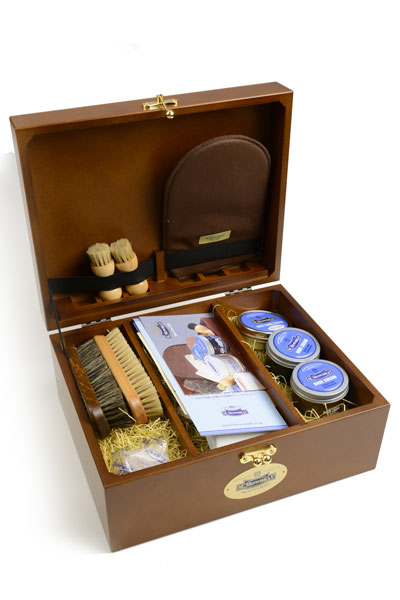 M.モゥブレィ M.MOWBRAY シューケア BOX セット MDF 人気上昇中 安心と信頼 プラス マホガニー系色 基本ケア用品12点のベーシック靴磨セット 木製箱