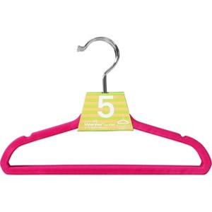衣類が滑りにくい加工をしています。 【送料無料】『キッズ ノンスリップハンガー 5本セット ピンク』子供用すべらないハンガー/幼児用 赤ちゃん用 ベビー