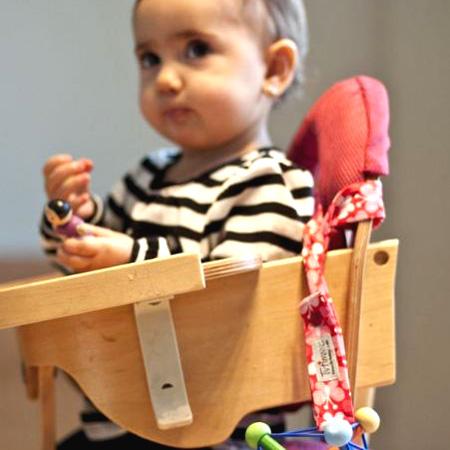 """从Tutim NYC teyutimutoishittatanjierinsan~纽约出发的玩具专用的婴儿吊带,teyutimu·toishitta。在美国,被作为""""长颈鹿的索菲""""的东西专用的带子销售。"""