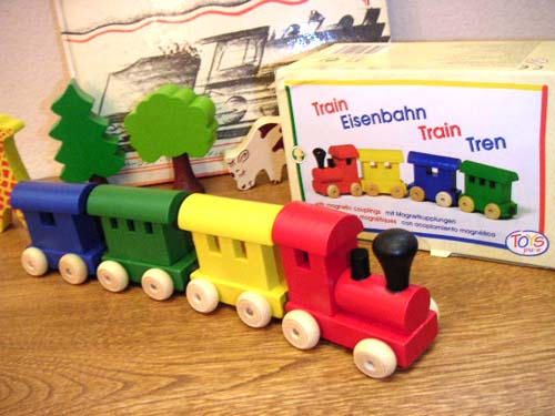 It Is A Wooden Train Four Set Connected In Handelshaus Kahn Dell Shouse Toys Pure Magnet Type Wooden Train Color Germany A Magnet Of Toys Pure