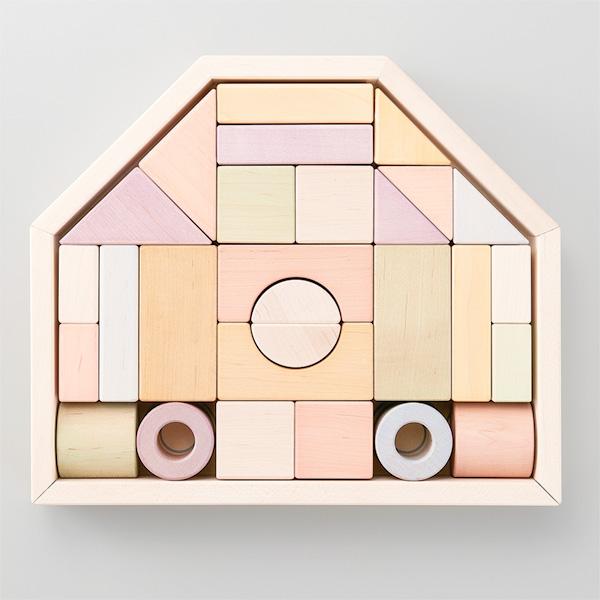 Ed.inter エドインター NIHONシリーズ つみきのいえ M 32ピース~エドインターの日本製の木製玩具「NIHONシリーズ」の積み木。日本由来のやさしい色を再現した国産の積み木です。