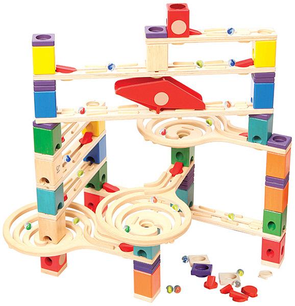 BorneLund NEW クアドリラ・ツイスト&レールセット~ピタゴラ装置みたいなおもちゃ。バリエーション豊かなスロープでビー玉の動きが楽しめるクアドリラの応用セットです。 ボーネルンド