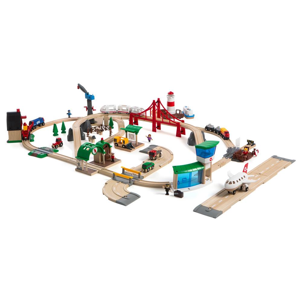 BRIO ブリオ レールウェイセット ワールドデラックスセット~BRIOの大人気玩具・木製レールセットシリーズ!BRIO Worldの世界観を楽しめるデラックスなレールセット。103ピース。【誕生日プレゼント 1歳半 2歳 3歳 男の子 木のおもちゃ 知育玩具 クリスマス 子供】