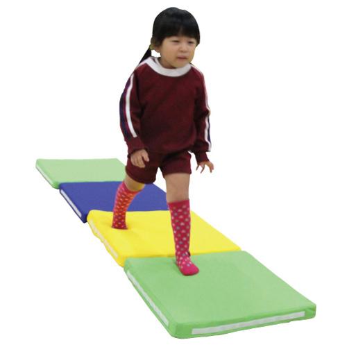 一歩社 はじめしゃ 触感認識マット 4枚セット~一歩社(はじめしゃ)の子どもたちの心も体もリラックスさせてくれる安全教具。いろんな触感を楽しめる、組み合わせ自由なマットです。