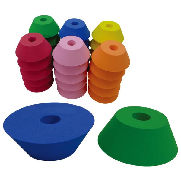 一歩社 スリリングタワーブロック~一歩社(はじめしゃ)の柔らかくて安全性の高い素材で作られたブロック。コップ型の円筒のブロックを積み上げて遊べます。 はじめしゃ