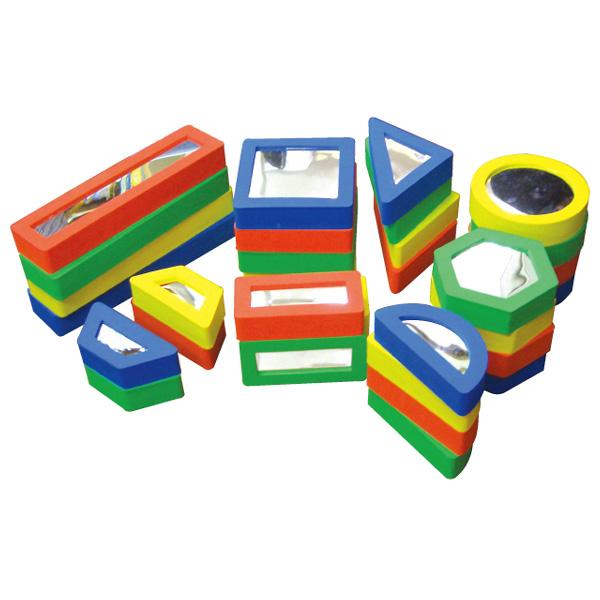 一歩社 はじめしゃ ミラーブロック~一歩社(はじめしゃ)の柔らかくて安全性の高い素材で作られたブロック。ブロックの両面に割れないミラーが付いています。