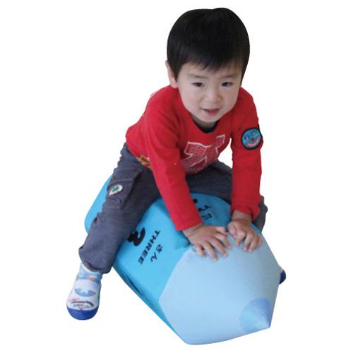 一歩社 はじめしゃ ビッグエンピツサイコロ~一歩社(はじめしゃ)のイベントやレクリエーションで利用できるおもちゃ・遊具。エンピツころがしタイプのおもしろサイコロです。