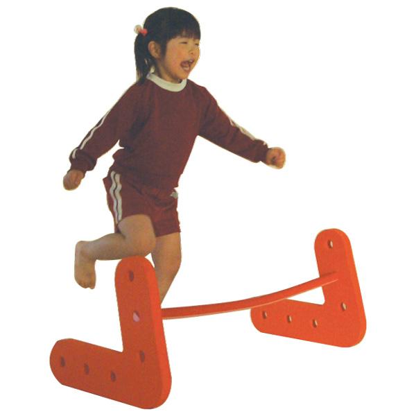 【 ★ ポイント10倍 ★ 】一歩社 はじめしゃ ソフトハードル 1台~一歩社(はじめしゃ)のお子さまの運動や運動会にオススメのおもちゃ・遊具。ソフトで安全性の高いEVAスポンジ製のハードルです。