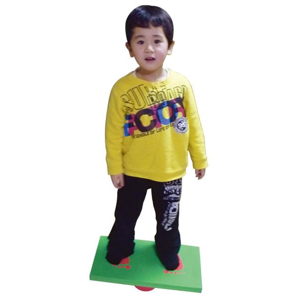 はじめしゃ 一歩社 安心バランスボード~一歩社(はじめしゃ)のお子さまの平衡感覚・バランス感覚をやしなうバランスシリーズ。低くて恐さの少ないバランスボードです。