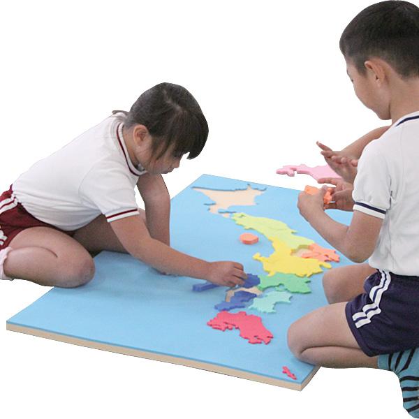 一歩社 はじめしゃ ビッグ日本地図~一歩社(はじめしゃ)のソフトなEVAスポンジ製のお勉強のおもちゃ・知育玩具。8つのエリアで色分けされた地図パズルです。