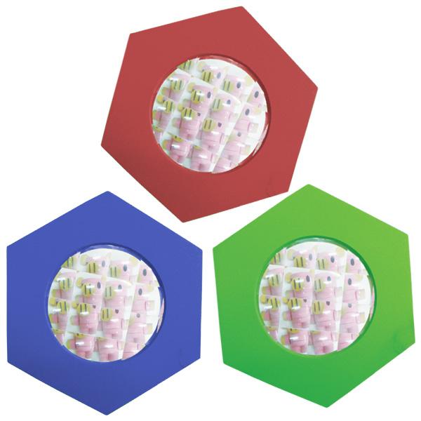 一歩社 はじめしゃ 六角万華鏡レンズ 6枚セット~一歩社(はじめしゃ)の子どもたちに科学・理科に興味をいだかせる安全素材のミラーやレンズ。たくさんの枠になっている複眼レンズです。